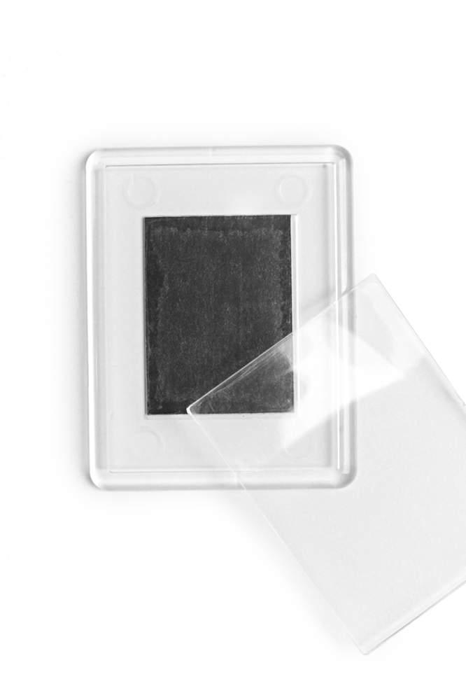 10. Magnet de frigider acrilic transparent - (5,3 x 4,3 cm)